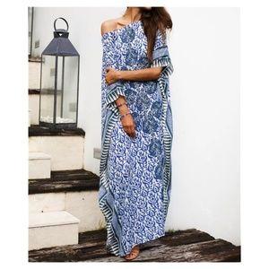 Beautiful Blue & White Print Resort Kaftan Coverup